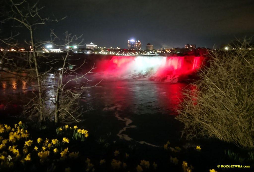 Oświetlony wodospad Niagara